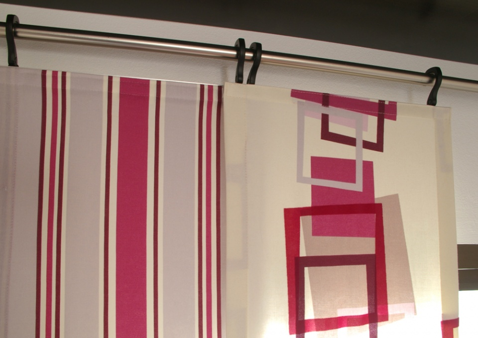 Pole Panel System with Pull Rods: wall mounted