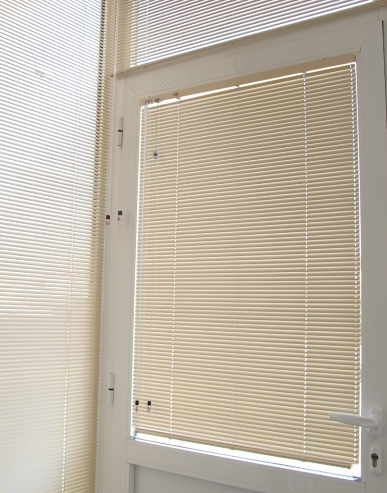 16mm Cable-Guided Aluminium Venetian Blind