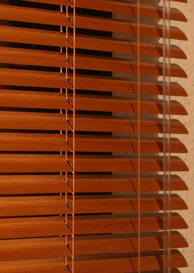 25mm Wood-Effect Aluminium Venetian Blind