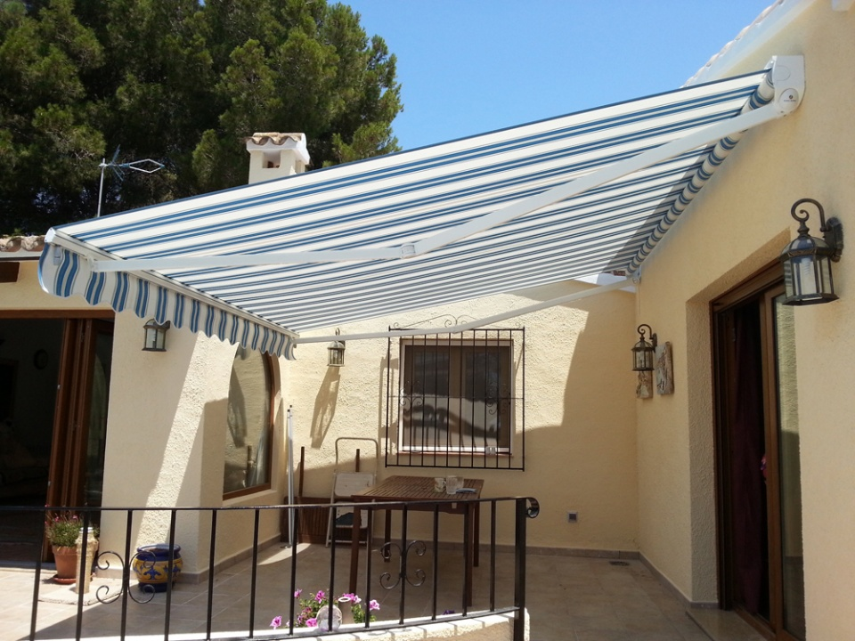 Standard Awning Motorised